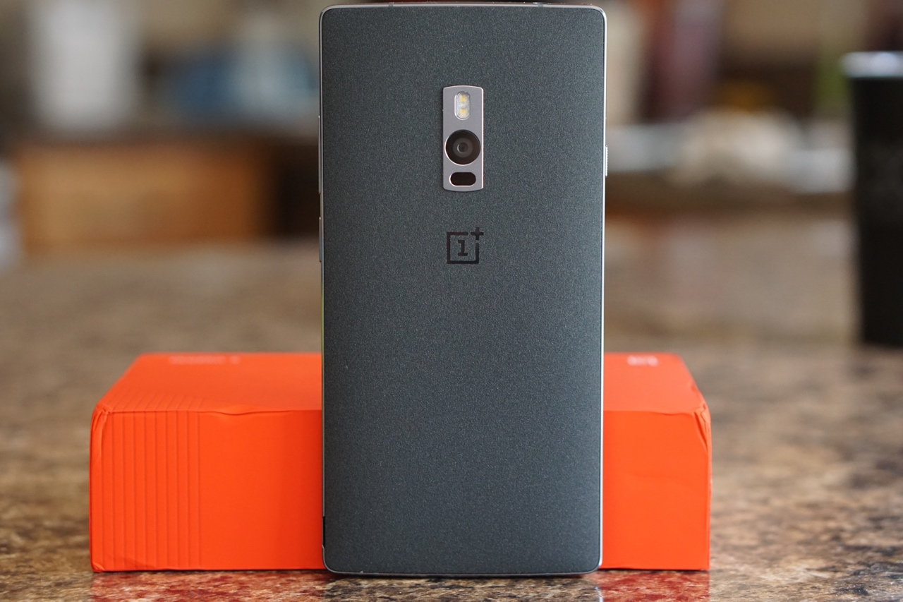 OnePlus 2 – Unboxing and First Setup