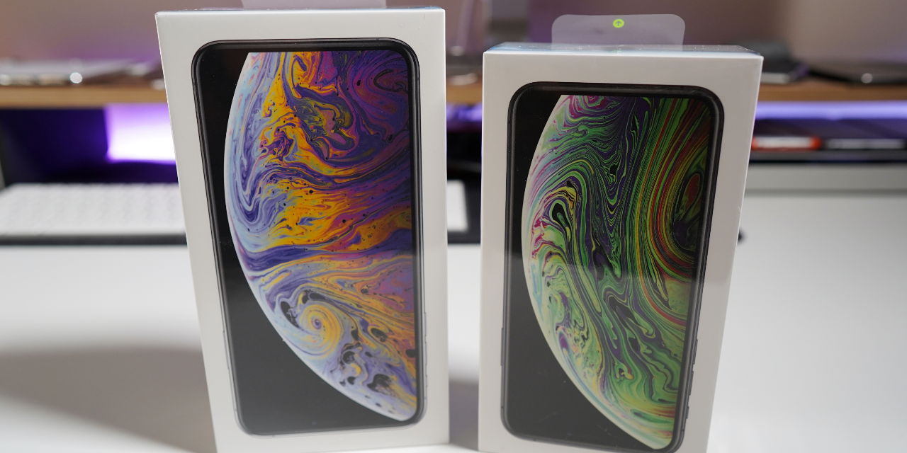 iPhone Xs and iPhone Xs Max Unboxing, Setup and First look
