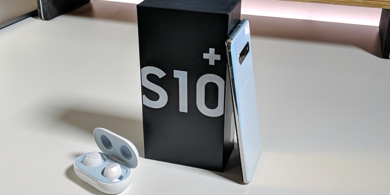 Samsung Galaxy S10 Plus – Unboxing, Setup and First Look